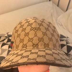 Beige Gucci baseball hat GG with web